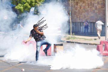 Violencia vuelve a apoderarse de protestas callejeras de Chile