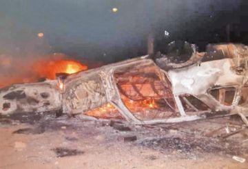 Conductor rocía gasolina a un punto de bloqueo en Trinidad