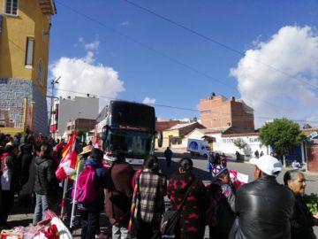 Caravana potosina parte con la rojo y blanco