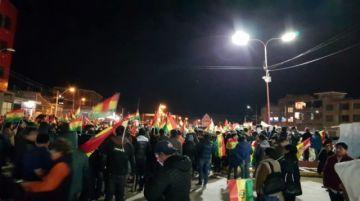 Caravana de potosinos es recibida en Oruro (incluye videos)
