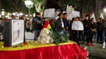 Cochabamba llora a Limbert Guzmán, pide justicia y lo llama héroe