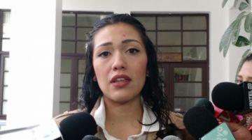 Adriana Salvatierra renuncia y deja en vilo la sucesión constitucional