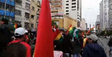 Cívicos están en La Paz entregaron la carta de renuncia