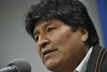 Evo Morales ya vuela hacia su asilo en México