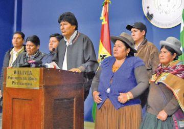 Evo Morales pide que cesen las agresiones.