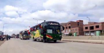 Caravana potosina parte a La Paz