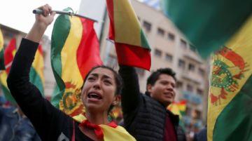 """Camacho niega """"golpe de Estado"""" y pide transición democrática"""