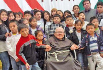 Falleció el padre Alfredo, fundador de las aldeas de niños
