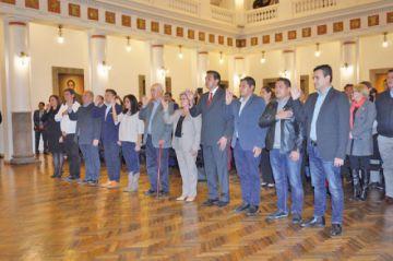 La presidenta designa a 11 de 20 ministros para la etapa de transición