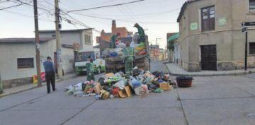 EMAP limpia la ciudad tras una prolongada huelga