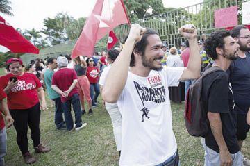 Simpatizantes de Guaidó toman embajada en Brasil