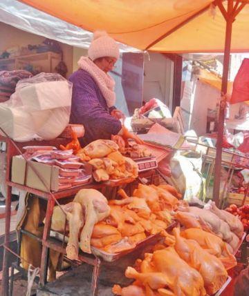 Se regulariza la venta de alimentos en Potosí