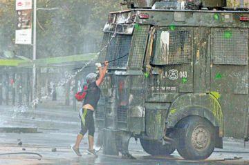 Chile: Roban banco en violenta jornada