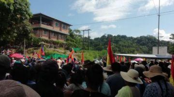 Los cocaleros determinan continuar con los bloqueos en Cochabamba