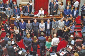 Juran nuevos senadores con mayoría peronista