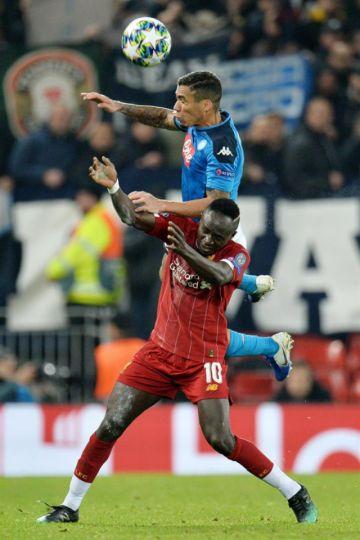 Liverpool logra un empate en Anfield ante el Nápoles