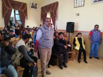 Trabajadores municipales se declaran en huelga y estado de emergencia