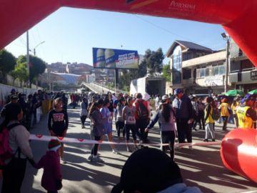 Potosí vive la competencia 10 k con miles de atletas que se apuntaron para participar