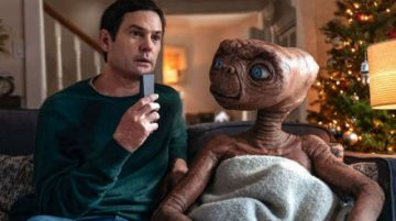 ET y Elliot se reencuentran tras 37  años en un comercial de Xfinity