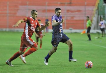 """San José gana a Royal Pari en el """"Gilberto Parada"""""""