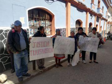 Pobladores de Tupiza hacen vigilia en la Fiscalía