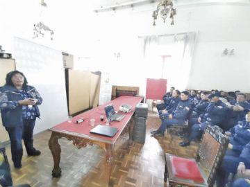 Capacitan a más de 50 gendarmes municipales en relaciones humanas