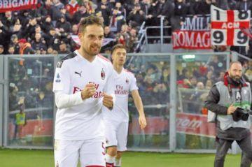 Milan sufre para vencer a Bolonia