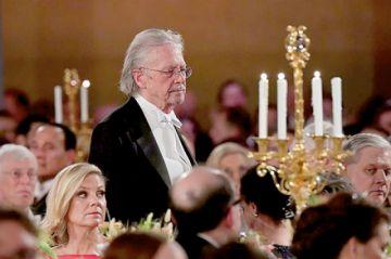 Los Nobel 2019 celebran en un banquete