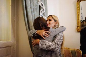 "Renata, la joven del ""¿Quién se cansa?"", se presenta ante la presidenta Jeanine Áñez"
