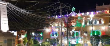 Encendieron las luces navideñas en el centro histórico de Potosí