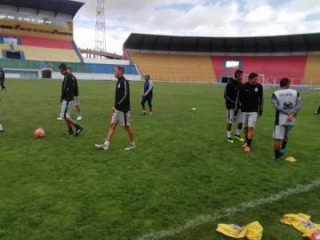Real Potosí entrena para enfrentar a San José