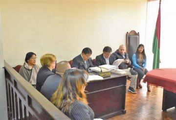 Un juez ratifica la detención preventiva para tres exvocales del TSE