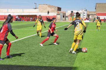 Las selecciones de Santa Cruz y Beni debutan con triunfo en el torneo femenino