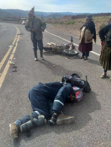 Auto chuto causa aparatoso accidente y hay un herido