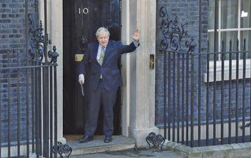 """Johnson perfila su equipo para acelerar el """"brexit"""""""