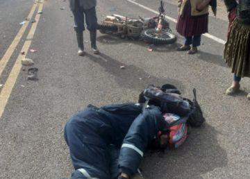 Motociclista pierde la vida luego de que un auto chuto impactó contra él