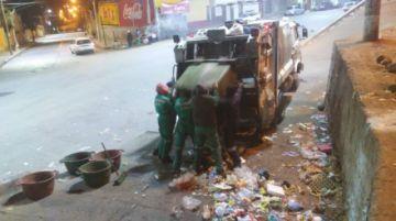 Emap recogió entre seis a ocho toneladas de basura tras la entrada navideña