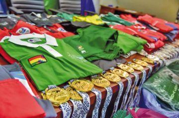 Dejarán de usar 4.005 deportivos con el nombre de Evo Morales