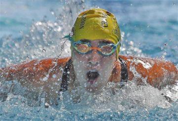Ecuatoriana nadará 44 kilómetros