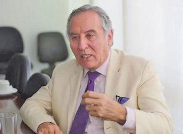 MacLean es el jefe de campaña de Camacho