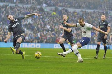 El Tottenham se impone a Brighton  con goles de Kane y Dele Alli