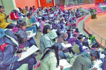 Cerca de 2.000 postulan para el examen de ingreso a la Esfmea