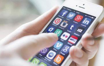 Reportan que casi 7 MM de bolivianos usan redes sociales