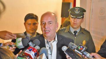 Ministro solicitará la expulsión de personal de Embajada de España
