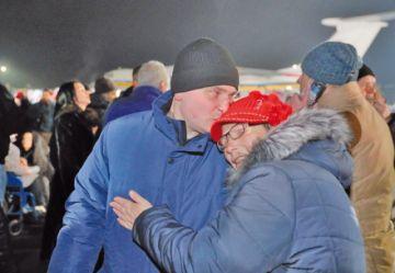 Ucrania y prorrusos canjean 200 prisioneros de guerra en el Donbás