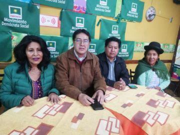 Parlamentarios demandan a Evo Morales por el aeropuerto