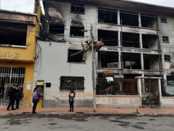 Aseguradora inspecciona edificio quemado del Tribunal Electoral Departamental