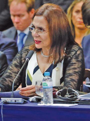 """Longaric dice que diplomáticos españoles habrían actuado """"oficiosamente"""""""