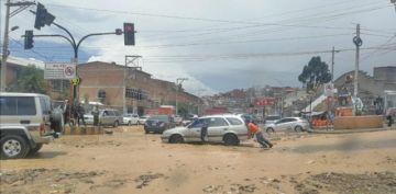 Aguacero causó problemas a los conductores y vecinos