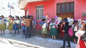 Vea cómo cambian las autoridades originarias en Potosí